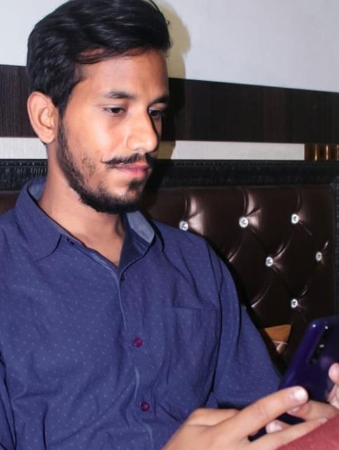 Saurav Chaturvedi (akhil